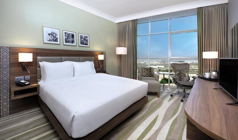 Hilton Garden Inn Dubai Al MuraqabatWohnbeispiel