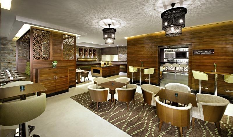Hilton Garden Inn Dubai Al MuraqabatLounge/Empfang