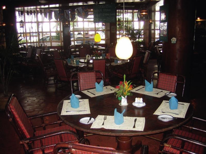 Basaya Beach Hotel & ResortRestaurant