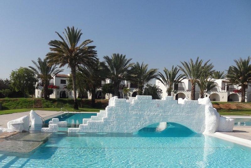 Zening Resorts