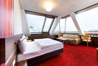 SIMMs Hotel,