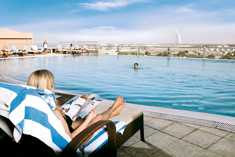 Dubai ab 541 € 2