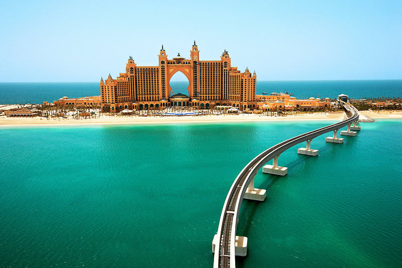 Dubai ab 1261 € 1