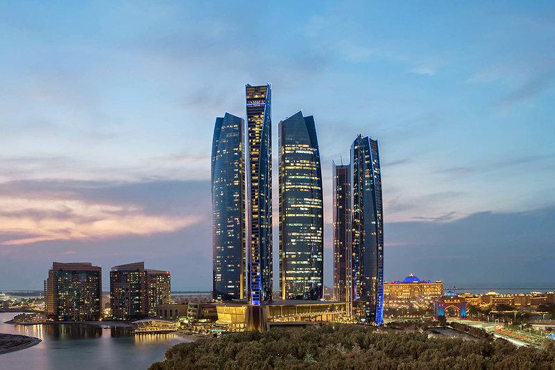 Abu Dhabi ab 857 €