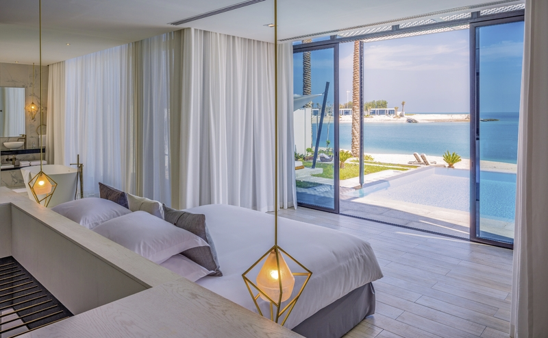 Abu Dhabi ab 2792 € 4