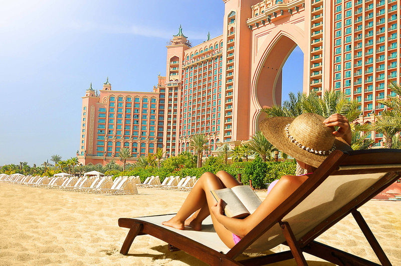Dubai ab 1261 € 4