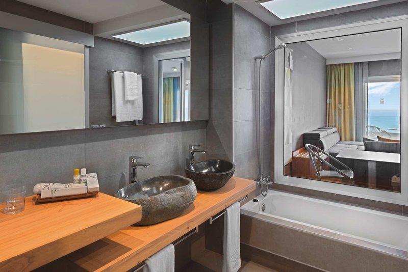 Atlantic Mirage Suites & Spa in Puerto de la Cruz ab 637 €