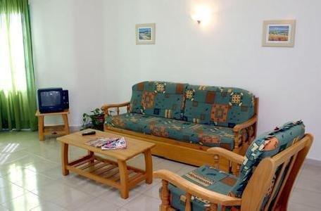 Luz Y Mar Apartments in Puerto del Carmen, Lanzarote W