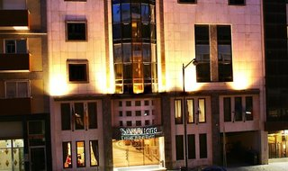 Hotel Sana Reno Außenaufnahme