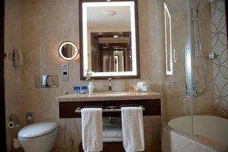 Hotel Crowne Plaza Deira Badezimmer