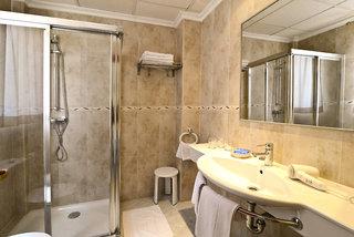 Hotel Amoros Badezimmer