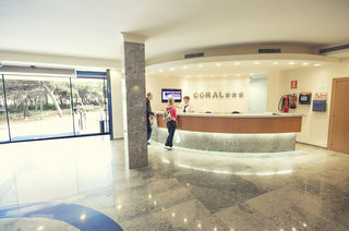 Hotel azuLine Coral Beach Lounge/Empfang