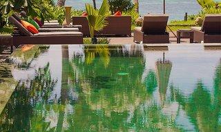 Hotel Dhevatara Beach Pool