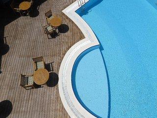 Hotel Canareef Resort Maldives Pool