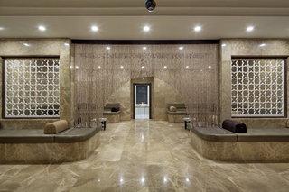 Hotel Nirvana Lagoon Luxury Wellness