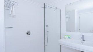 Hotel THB Maria Isabel - Erwachsenenhotel Badezimmer
