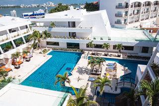 Hotel Flamingo Cancun Resort Pool