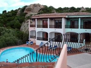 Hotel Li Graniti Pool