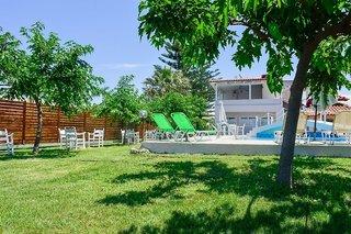 Hotel Dias Kavros Garten
