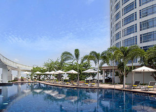 Hotel Centara Grand at Central World Pool
