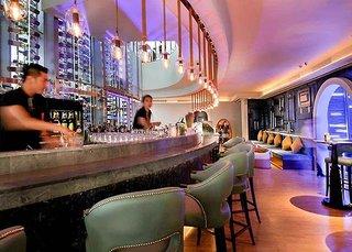 Hotel Centara Grand at Central World Bar