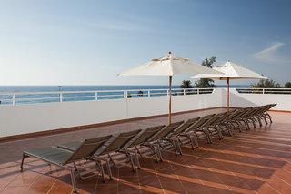 Hotel Corallium Beach - ErwachsenenhotelTerasse