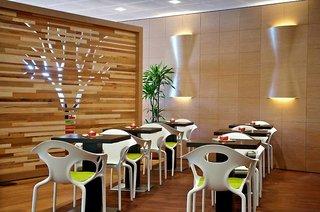 Hotel Green Village Resort Restaurant