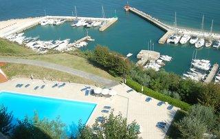 Hotel Capo Est Pool