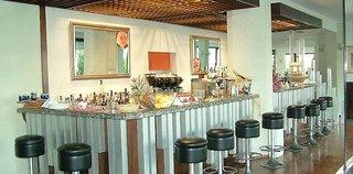 Hotel Capo Est Bar