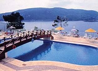 Hotel Akrotiri Beach Pool