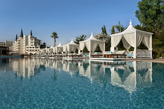 Hotel Titanic Mardan Palace Resort Pool