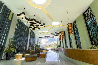 Hotel The Crest Resort & Pool Villas Phuket Lounge/Empfang