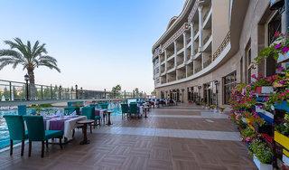 Hotel Kirman Belazur Resort & Spa Terasse
