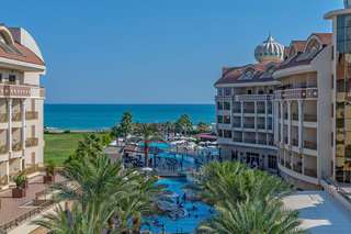 Hotel Kirman Belazur Resort & Spa Außenaufnahme