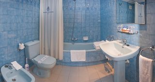 Hotel GHT Neptuno Badezimmer