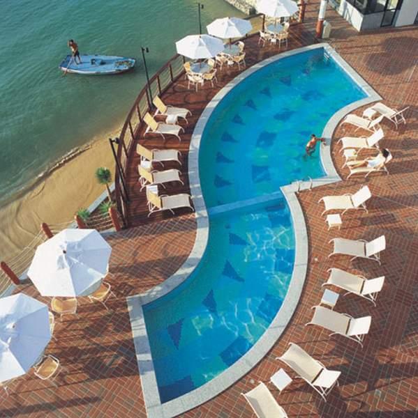 Iate Plaza Hotel  Pool