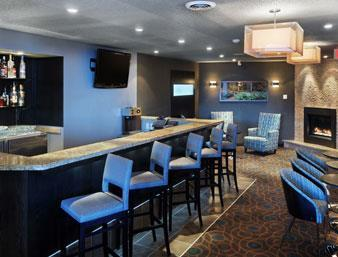 Ramada Kamloops Bar
