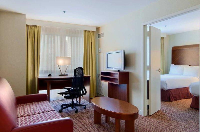 Hilton Suites Chicago Magnificent Mile Wohnbeispiel