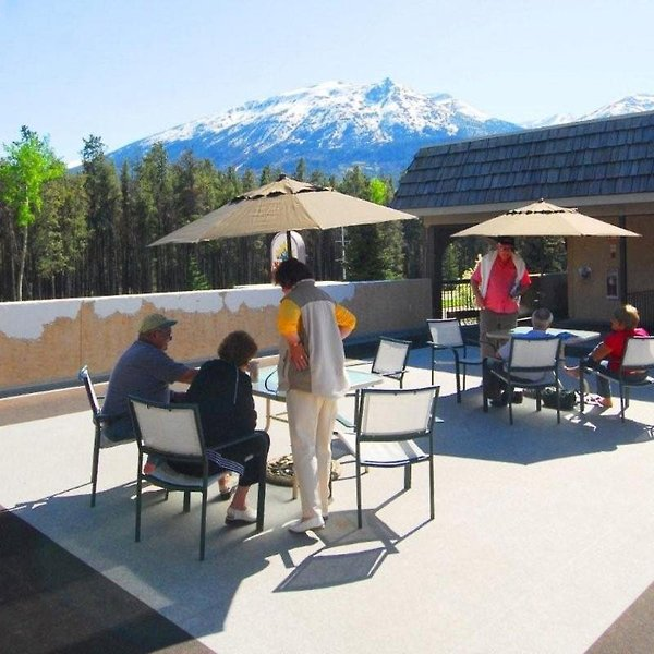 Maligne Lodge Terrasse