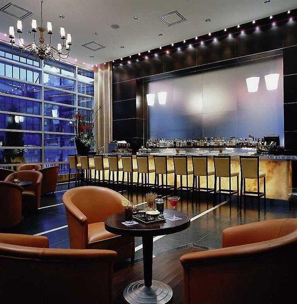 Sofitel Montreal Golden Mile Bar