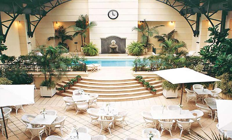 Loi Suites Recoleta Pool