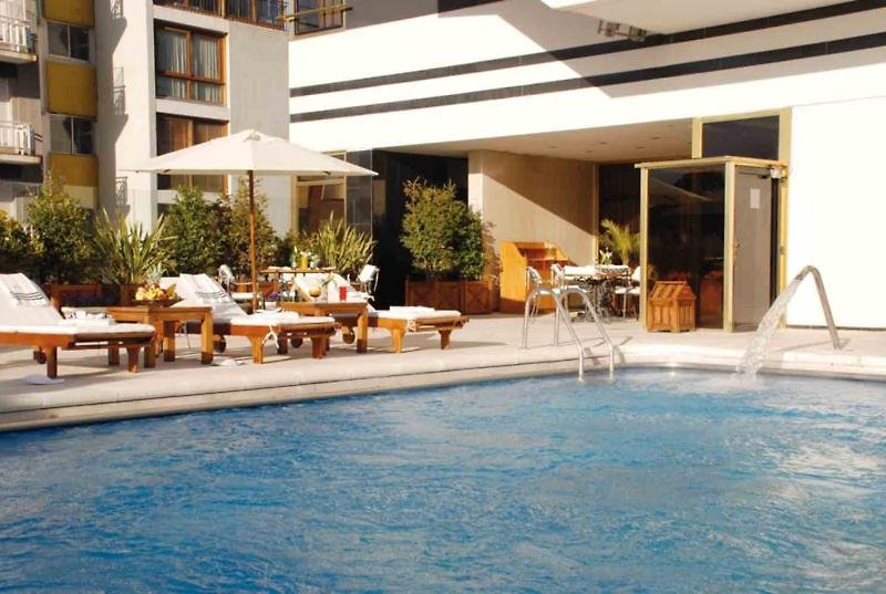Costa Galana Pool