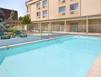 Ramada Denver Downtown Pool