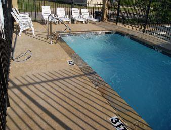 Days Inn Houston East Pool
