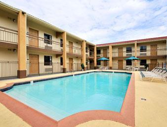 Days Inn Houston Pool