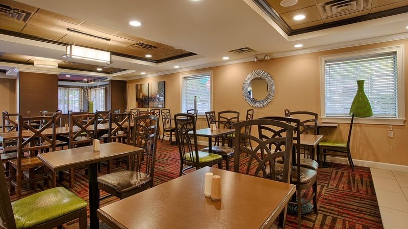 Inn at the Peachtrees  Restaurant