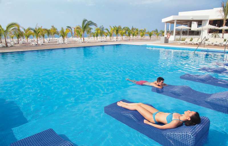 Riu Playa Blanca Pool