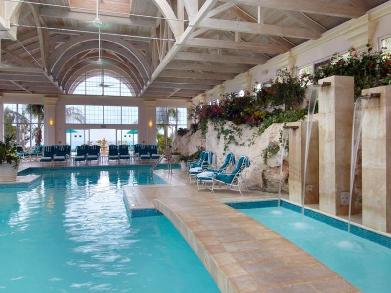 The Fairmont Southampton Pool