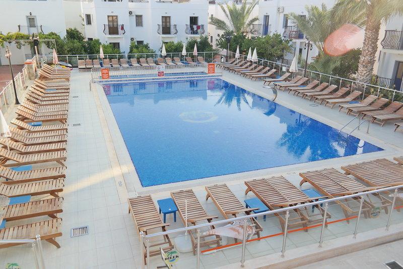 Dilek Hotel & Apartments Pool
