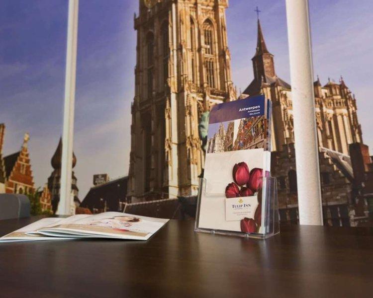 Tulip Inn Antwerpen Terrasse